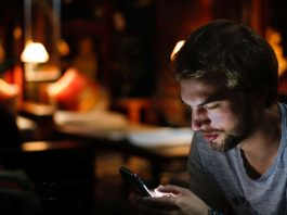 Negative Effect of Smartphone and decadence of Relationship and Health